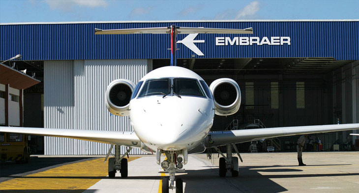 Embraer and Boeing shake hands