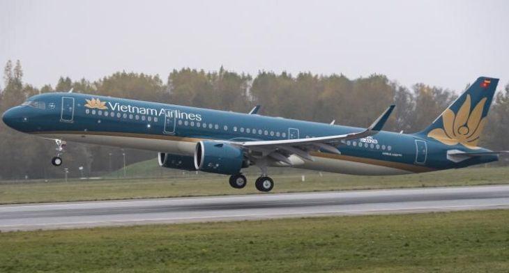 Vietnam Airlines signs geared turbofan MRO co..