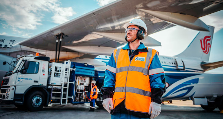 Gazpromneft-Aero fills up with fresh airline fuel deals