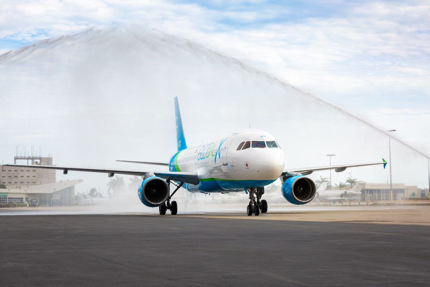 GlobalX takes delivery of its first Airbus A320 at Miami International Airport