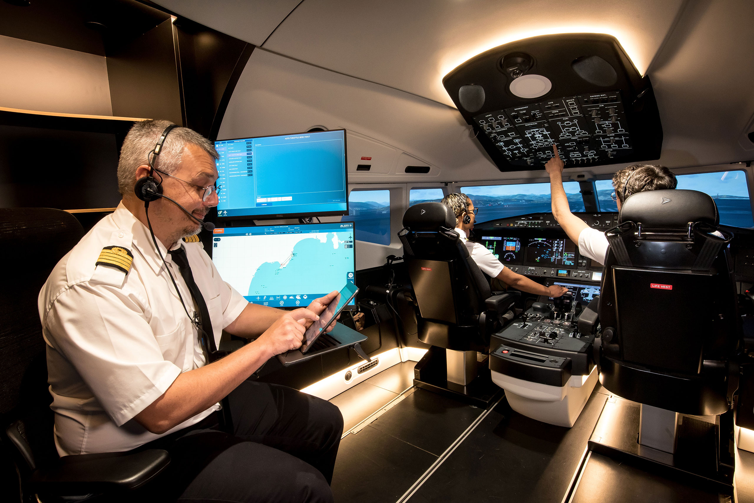 ALSIM and Three DIS win contract for three FNPT II MCC simulators for Airports Authority of India