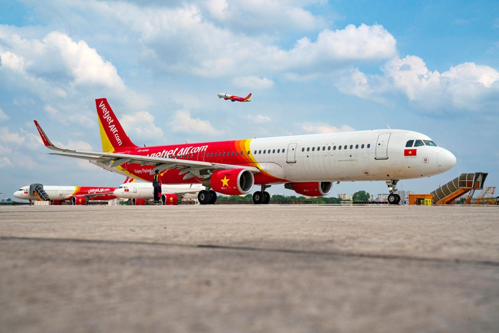 Vietjet to resume domestic services from October